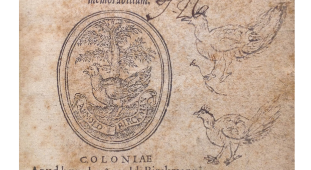 Title page of a printed book, with a woodcut printers device depicting a chicken, and two hand-drawn chickens added