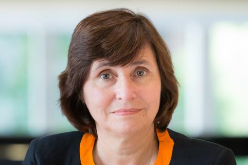 Portrait photograph of Professor Jane Dacre