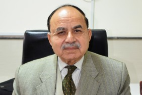 Dr Akbar Chaudhry M.R.C.P