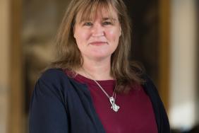 Dr Emma Vaux image