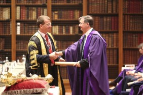 Honorary fellows image with Bod presenting award