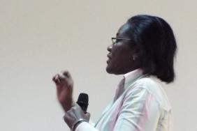 Dr Audrey Forson teaching at Korle Bu