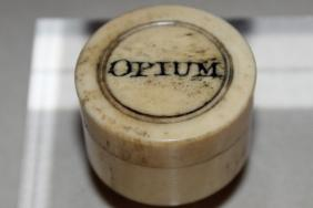 An opium pill box from the 18th to 19th century