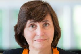 Portrait photograph of Professor Jane Dacre