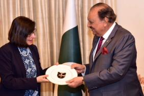 Professor Jane Dacre and team meeting with the President of Pakistan, Mamnoon Hussain