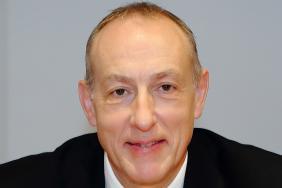 Dr Gareth Llewelyn, is-lywydd RCP dros Gymru