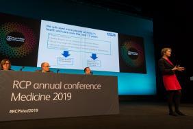 Speaker on stage at Medicine 2019